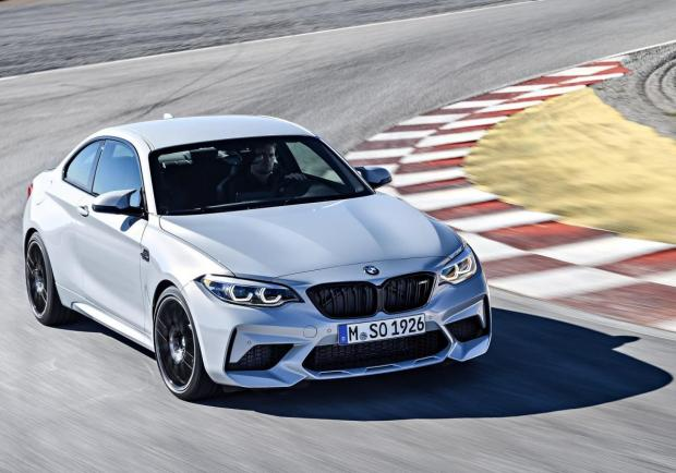 BMW M2 Competition vista alto