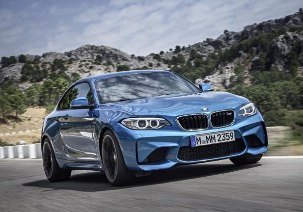 BMW M2 Coupé tre quarti anteriore