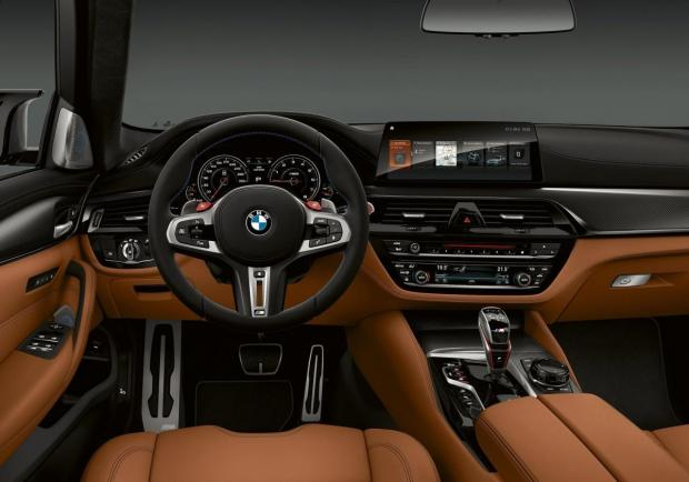 BMW M5 Competition interni