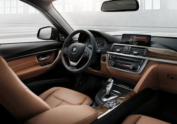 BMW Serie 3 Touring grigia interni