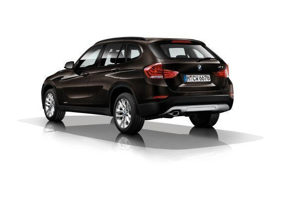 BMW X1 sDrive18i Sparkling Brown metallic tre quarti posteriore