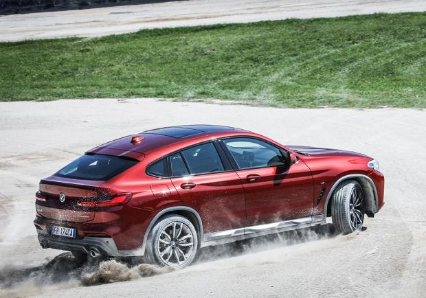 BMW X4, la nuova Sports Activity Coupé 01