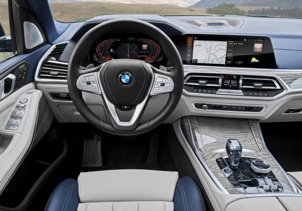 BMW X7 interni