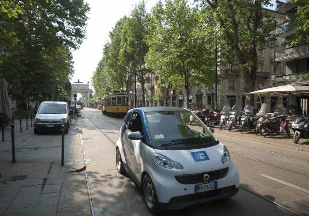 Car2go Smart Fortwo tre quarti anteriore