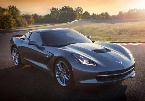 Chevrolet Corvette Stingray tre quarti anteriore