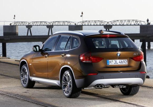 Crossover BMW X1 pre-restyling 4