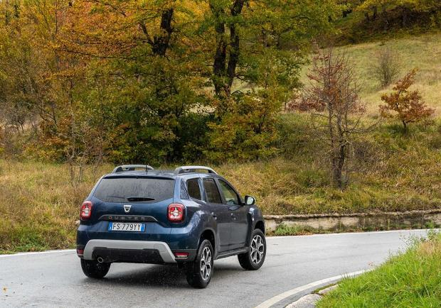 dacia duster gpl test drive autonomia e consumi della suv economica a gas patentati. Black Bedroom Furniture Sets. Home Design Ideas