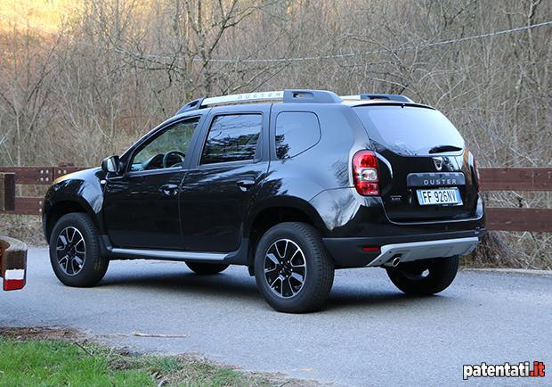 dacia duster 1 6 gpl la prova su strada della suv economica a gas. Black Bedroom Furniture Sets. Home Design Ideas
