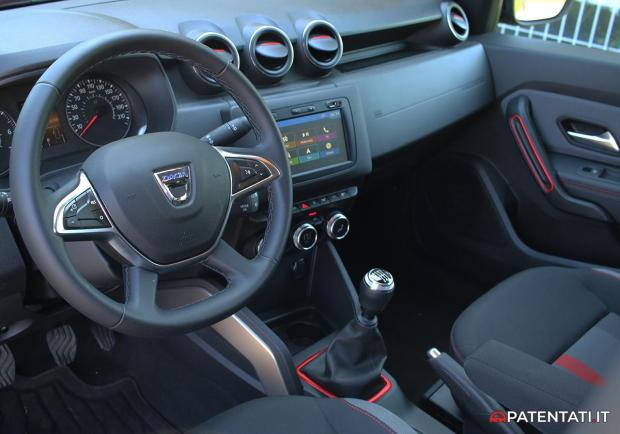 Dacia Duster Techroad interni