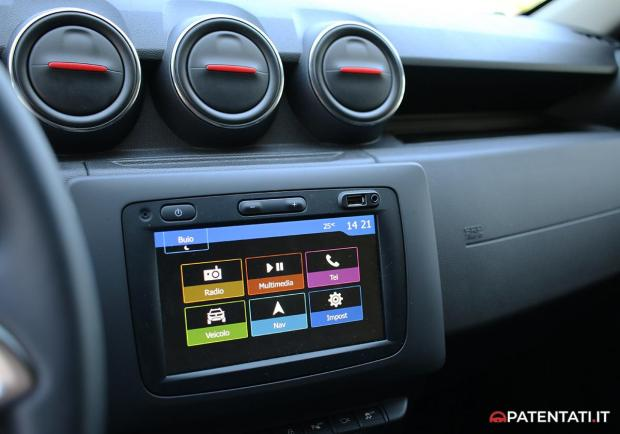 Dacia Duster Techroad schermo touch