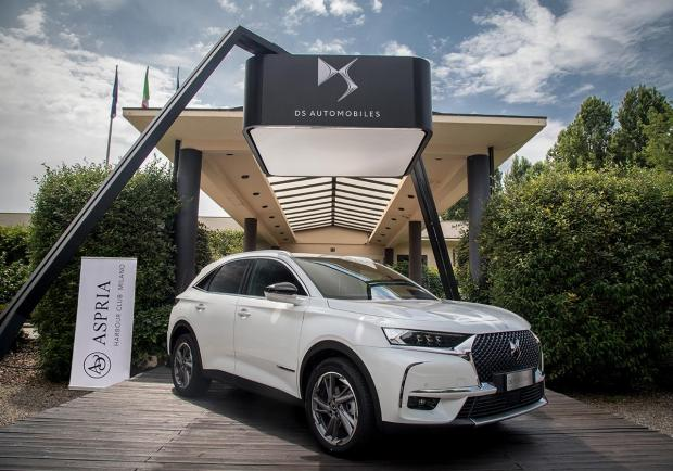 Una DS 7 Crossback all'Aspria Harbour Club Milano 03