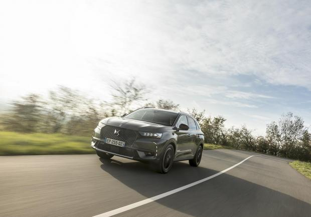DS Automobiles, nuovi interni per la DS 7 Crossback