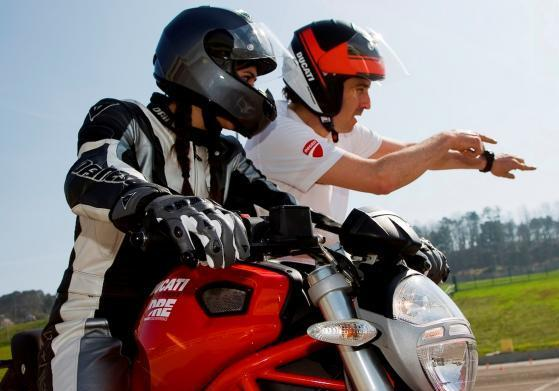 Ducati Riding Experience 2014 esercizi in pista