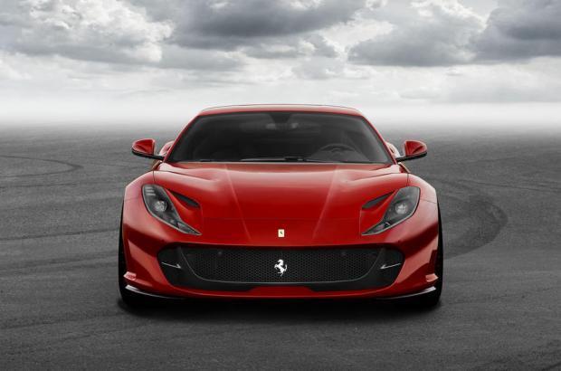 Ferrari 812 Superfast frontale