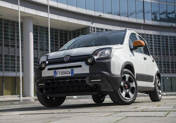 Fiat Panda Connected by Wind anteriore