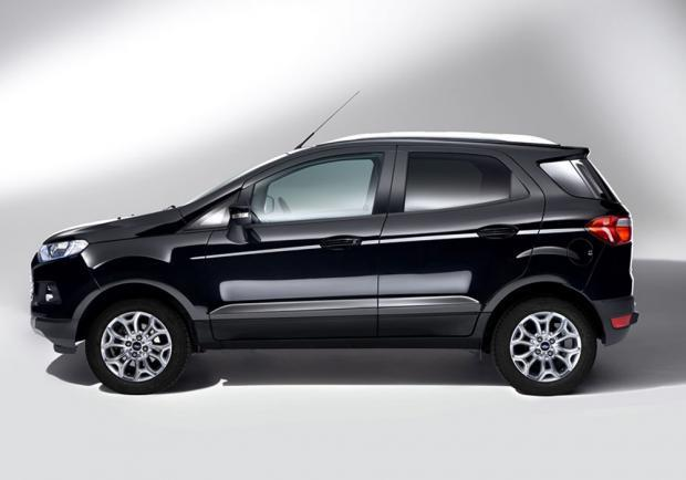 Ford EcoSport restyling 2015 profilo