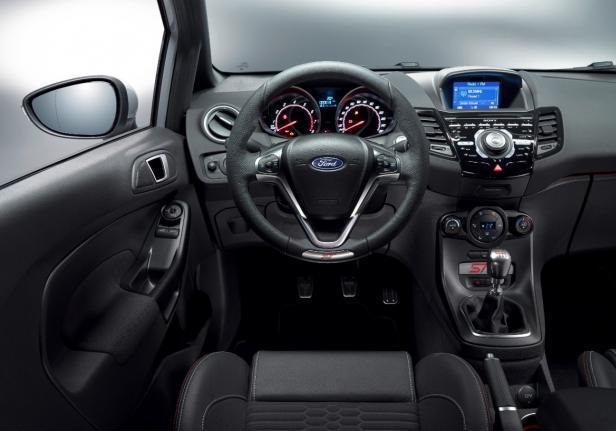 Ford Fiesta ST200 interni