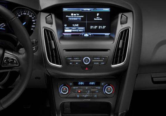 Ford Focus restyling 2014 console centrale