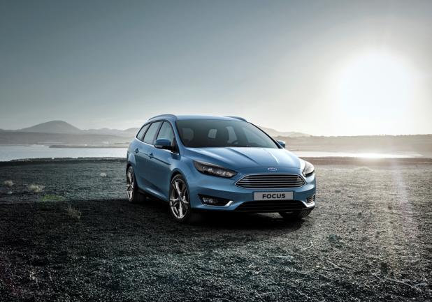 Ford Focus restyling 2014 station wagon anteriore