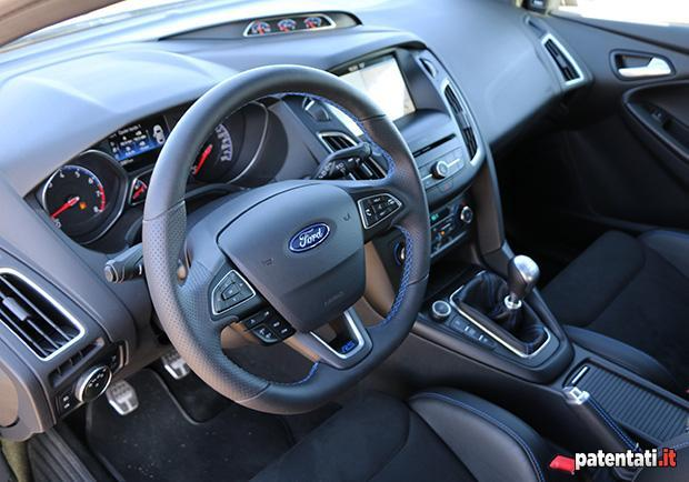 Ford Focus RS interni