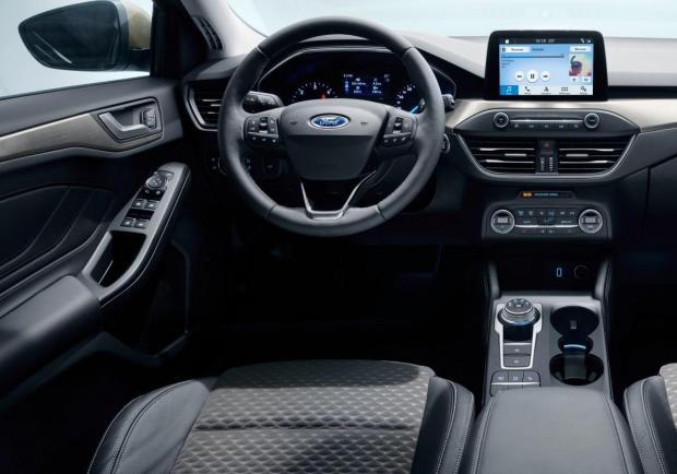 nuova ford focus  le foto e i dati