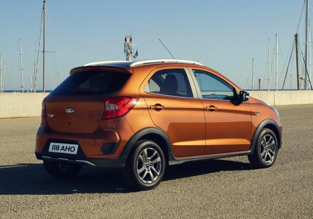 Ford Ka Plus Active tre quarti posteriore