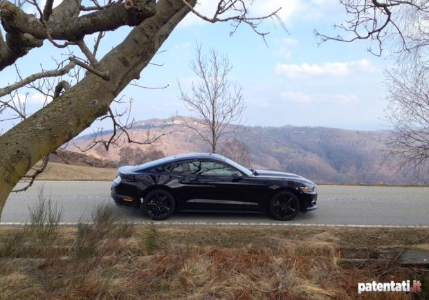 Ford Mustang 2.3 EcoBoost profilo