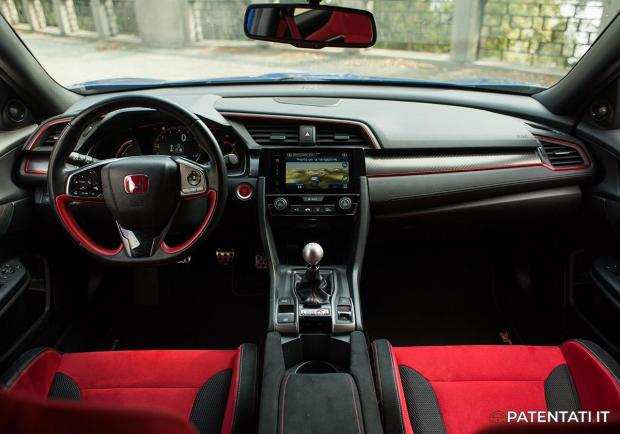 Honda Civic Type R interni
