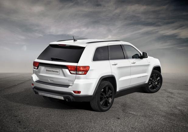 Jeep Grand Cherokee S Limited tre quarti posteriore