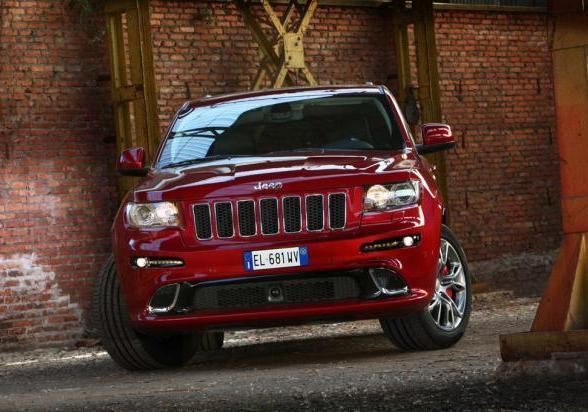 Jeep Grand Cherokee SRT anteriore