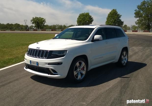 Jeep Grand Cherokee SRT prova in pista