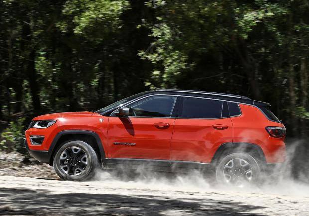 Jeep Renegade e Compass: optional in omaggio 03