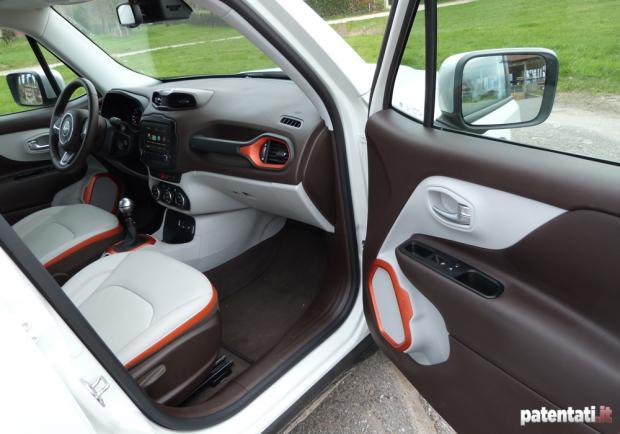 Jeep Renegade 1.6 Multijet abitacolo