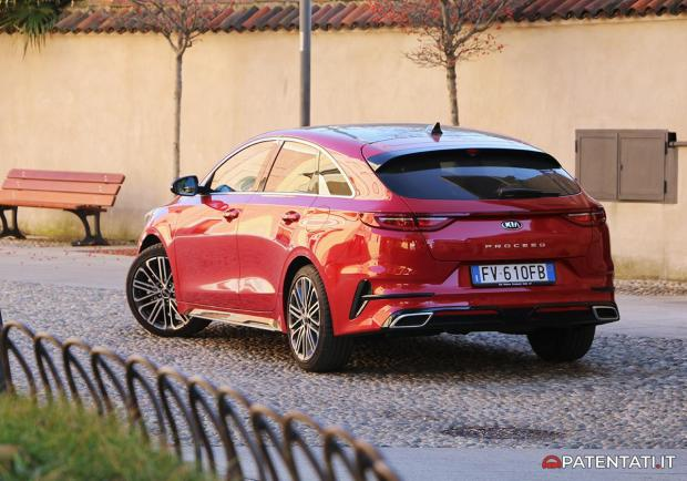 Kia Proceed GT-Line 1.6 CRDi DCT foto posteriore