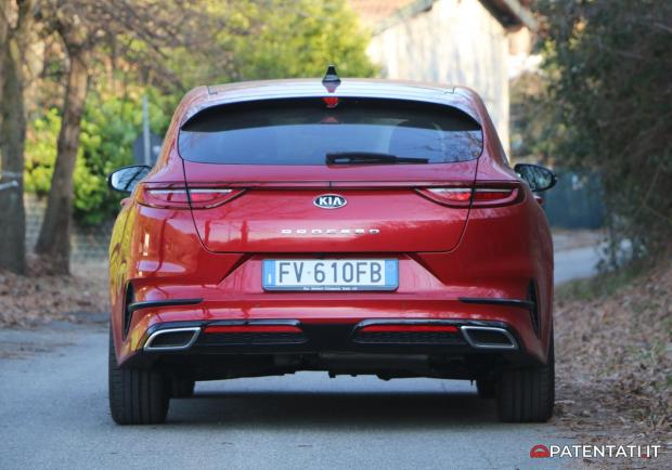 Kia Proceed GT-Line 1.6 CRDi DCT posteriore