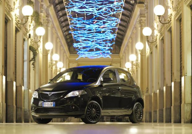 Lancia, al Salone di Torino la Ypsilon Black and Noir 03