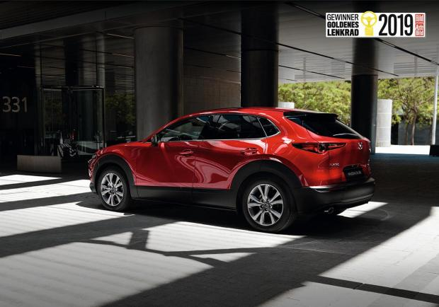 Mazda, la CX-30 vince il Golden Steering Wheel 2019 01