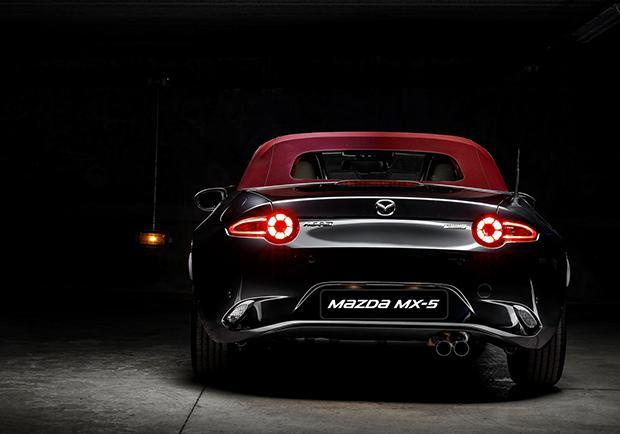 Mazda MX-5, in arrivo 71 Cherry Edition 01