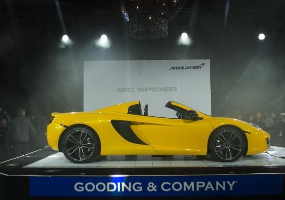 McLaren MP4 12-C Spider a Pebble Beach profilo