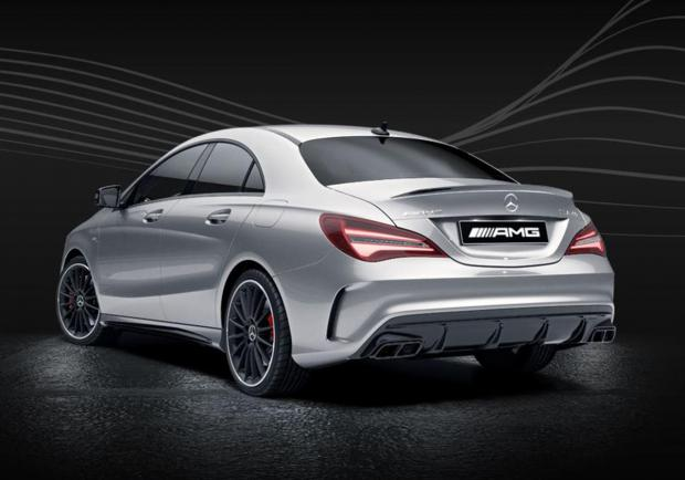 Mercedes-AMG CLA 43 Serie Speciale Race Edition posteriore