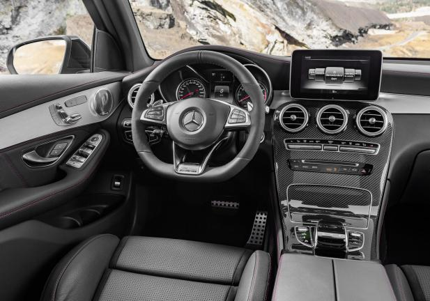 Mercedes AMG GLC 43 4MATIC interni
