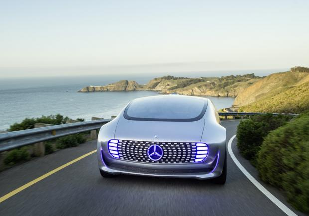 Mercedes-Benz F 015 Luxury in Motion anteriore
