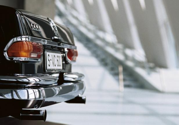 Mercedes benz museum 125 anni di storia dell automobile for Invertire piani di una casa di una storia e mezzo