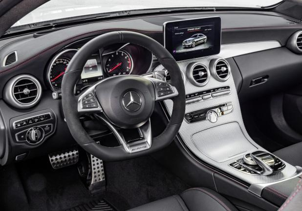 Mercedes C43 AMG 4MATIC interni