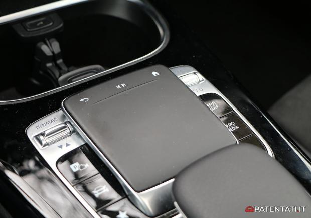 Mercedes Classe A 200 Automatic Premium touchpad