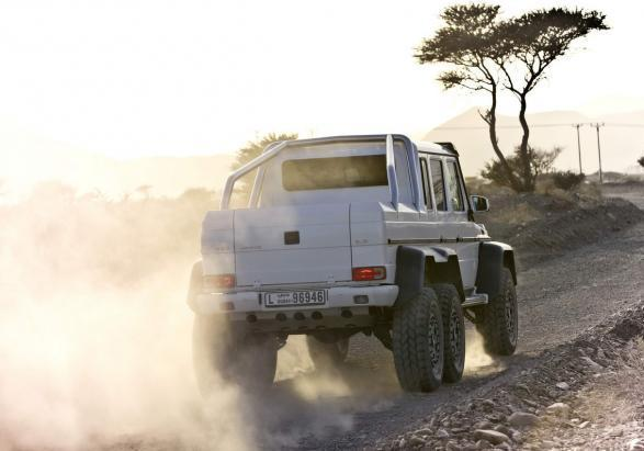 Mercedes G 63 AMG 6x6 posteriore