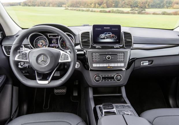 Mercedes gamma 4MATIC GLS interni
