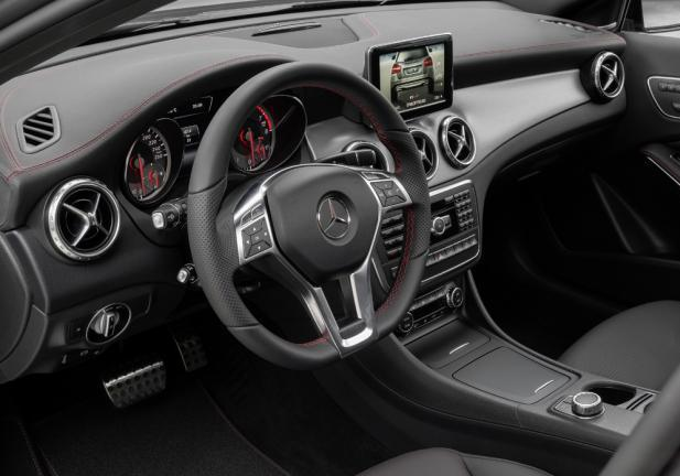 Mercedes GLA interni