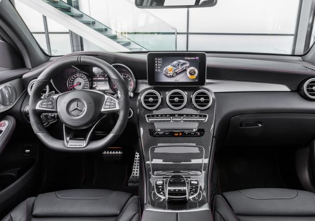 Mercedes GLC Coupé 43 4MATIC interni