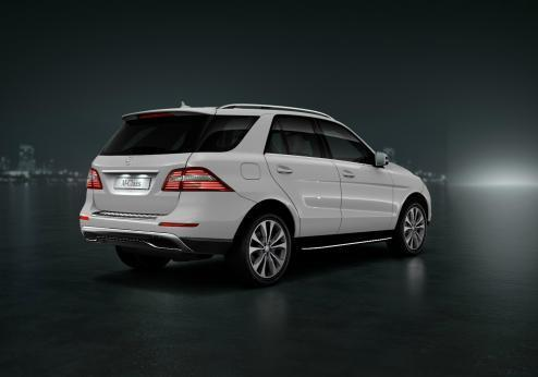 Mercedes ML Special Edition 16 tre quarti posteriore